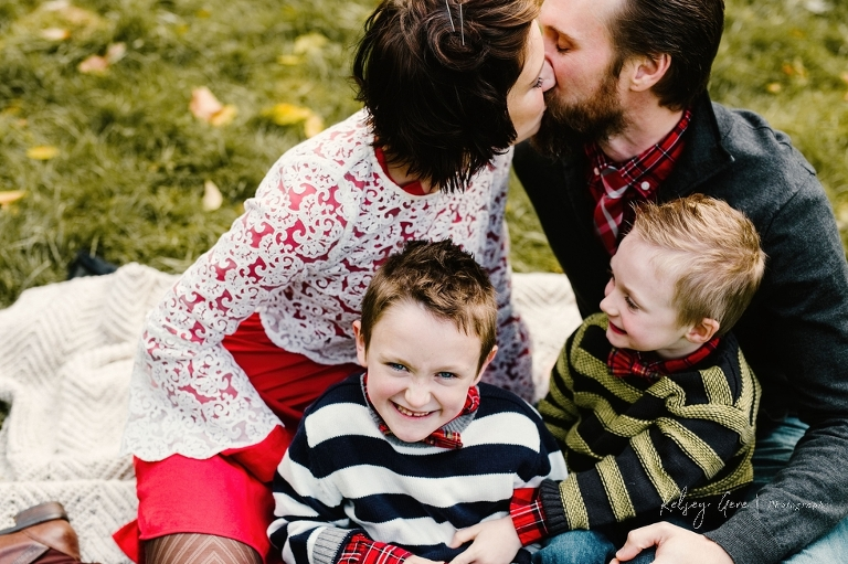 WNY & Buffalo family photographer specializing in lifestyle photography, capturing authentic and genuine emotions. Mini sessions offered in October 2017
